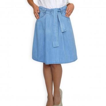Светло синя пола с колан