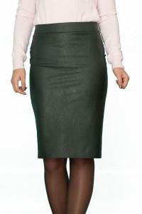 Права пола от изкуствена кожа с декоративен цип в задната част