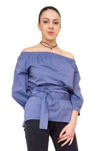Модерна блуза с голо рамо в цвят деним