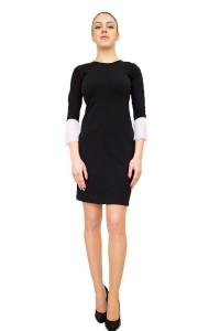 Стилна черна рокля с ефектен ръкав