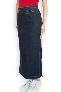 Ефектна дънкова пола с декорации