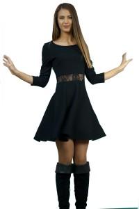 Дамска черна рокля с дантела в областа на талията