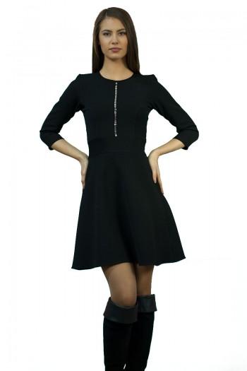 Стилна черна рокля до коляното
