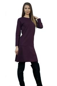 Дамска рокля изработена от плътен трикотажен плат в удобен А-силует в долната част. Без закопчаване.