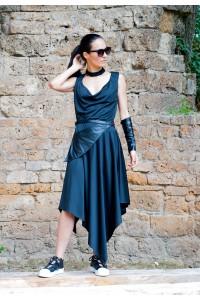 Дамска а-симетрична лятна черна рокля