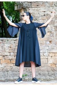 Дамска дълга черна а-симетрична рокля ,съчетание от два вида плат.