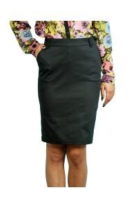 Черна права пола от с два джоба в предната част