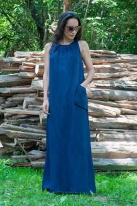 Дамска лятна тъмно синя дълга ленена рокля без ръкав
