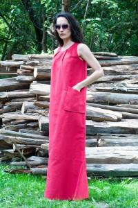 Свободна дълга лятна ленена рокля без ръкави