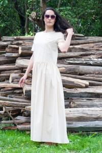 Бледо жълта дълга ленена лятна рокля с къс ръкав