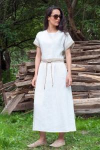 Дълга лятна дамска рокля от лен с къс ръкав