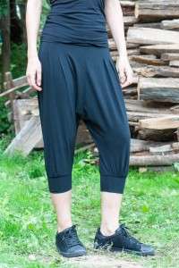 Удобен летен дамски панталон от лек трикотажен плат