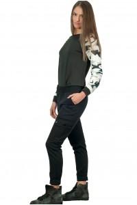 Дамски спортен панталон със странични джобове