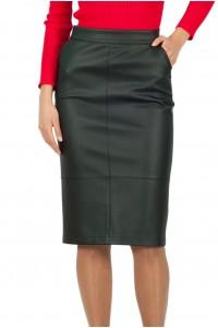 Дамска черна права пола от еко кожа с два предни джоба