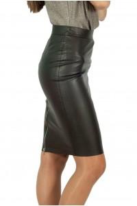 Права кожена пола с цип в задната част,тъмно кафява