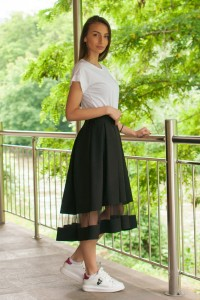 Дамска черна пола с шифон